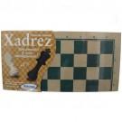 Tabuleiro de Xadrez com Peças de Madeira